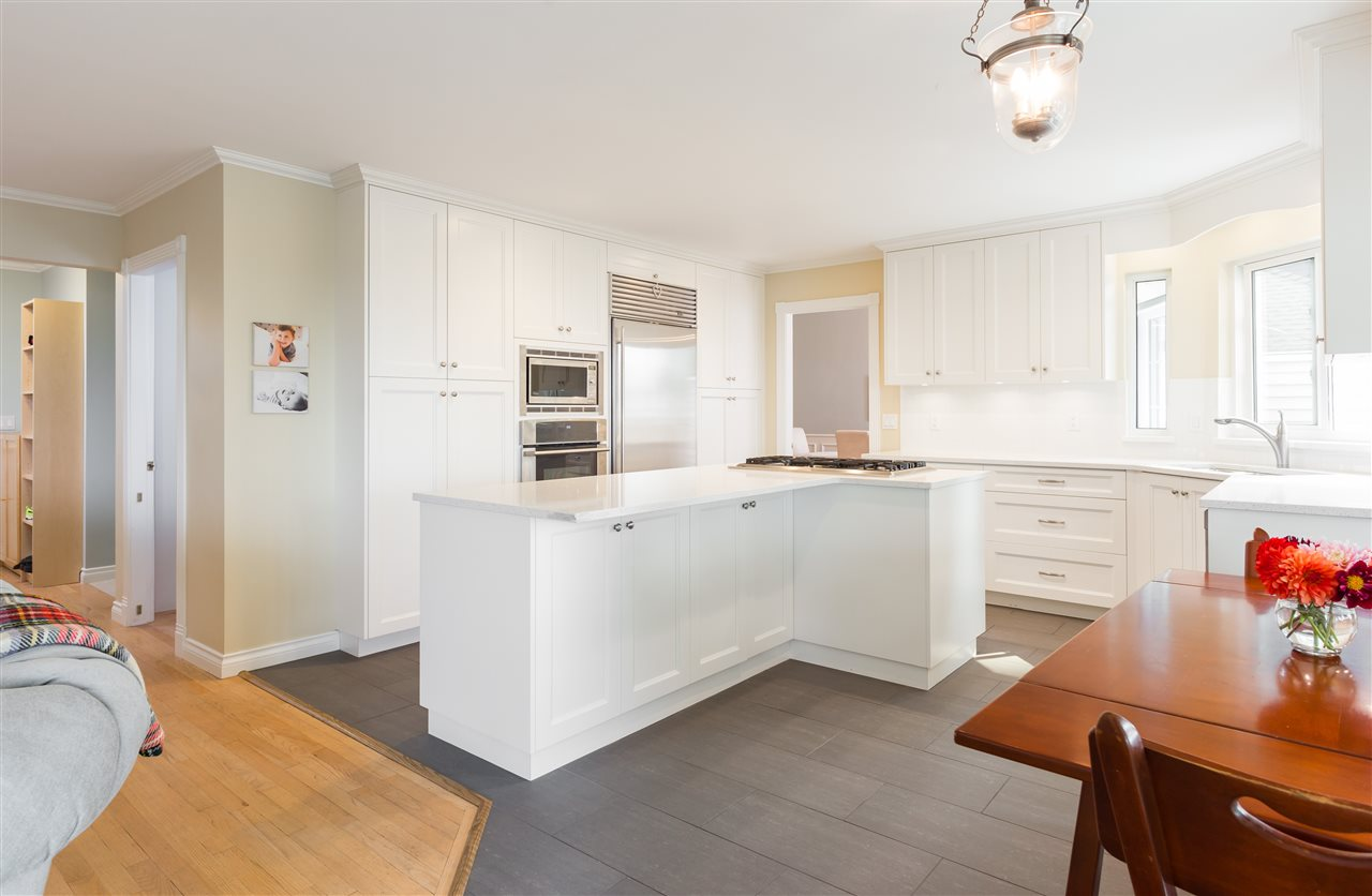 Detached at 1049 W KEITH ROAD, North Vancouver, British Columbia. Image 5