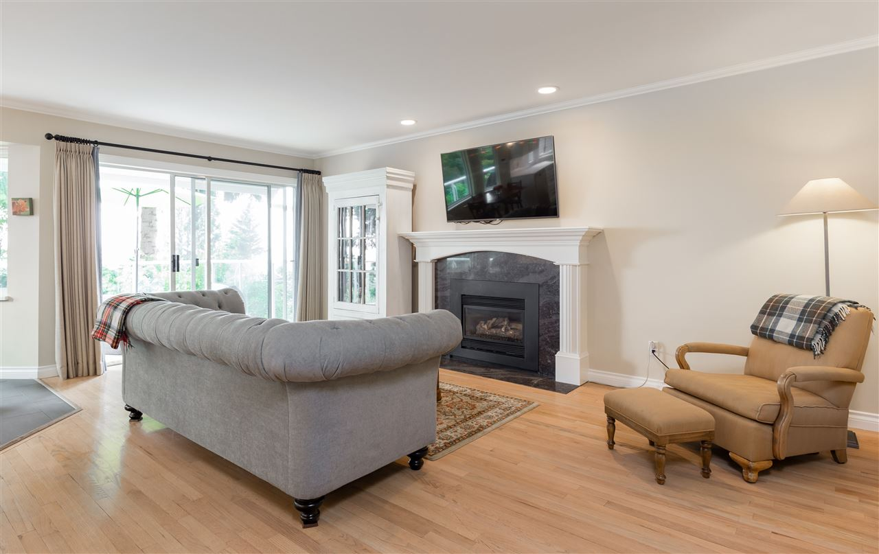 Detached at 1049 W KEITH ROAD, North Vancouver, British Columbia. Image 6