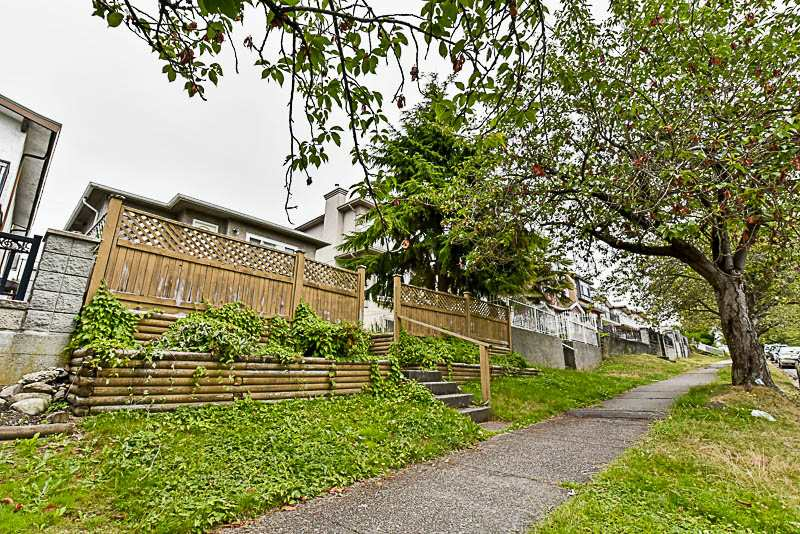 Detached at 881 E 64TH AVENUE, Vancouver East, British Columbia. Image 3