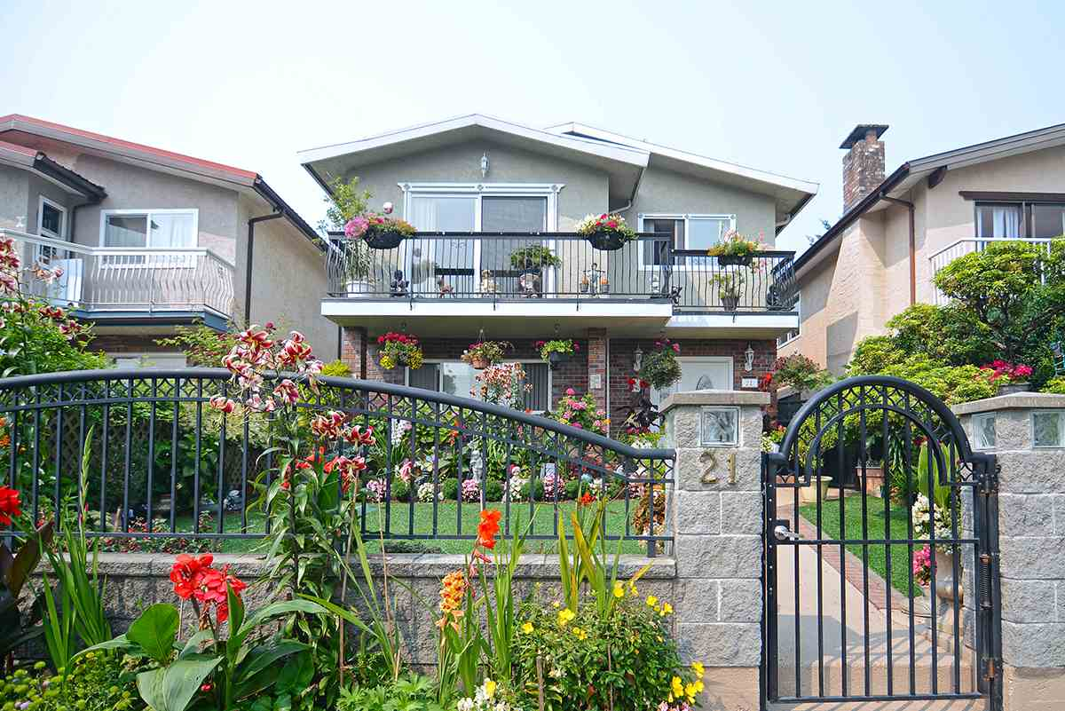 Detached at 21 FELL AVENUE, Burnaby North, British Columbia. Image 1