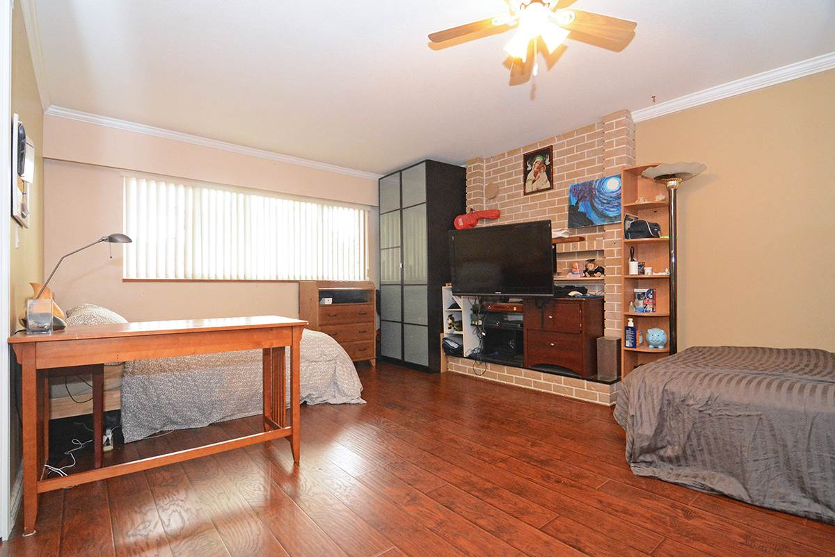 Detached at 21 FELL AVENUE, Burnaby North, British Columbia. Image 4