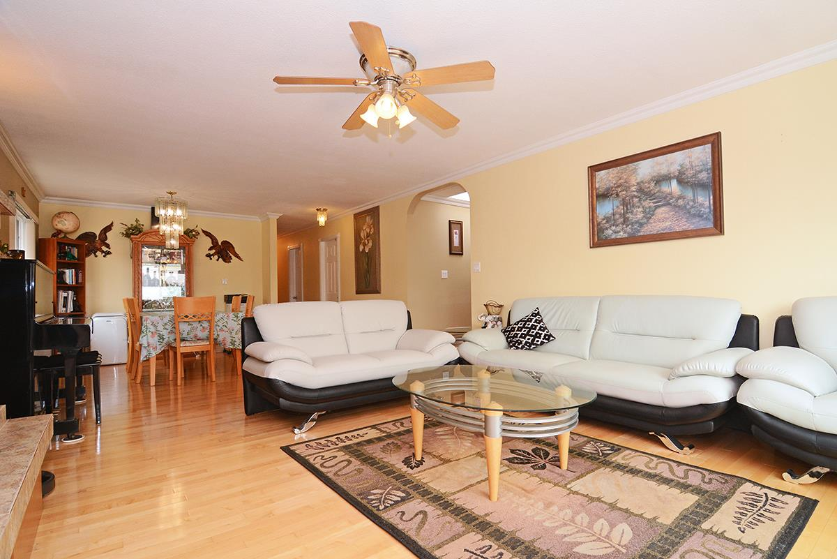 Detached at 21 FELL AVENUE, Burnaby North, British Columbia. Image 8