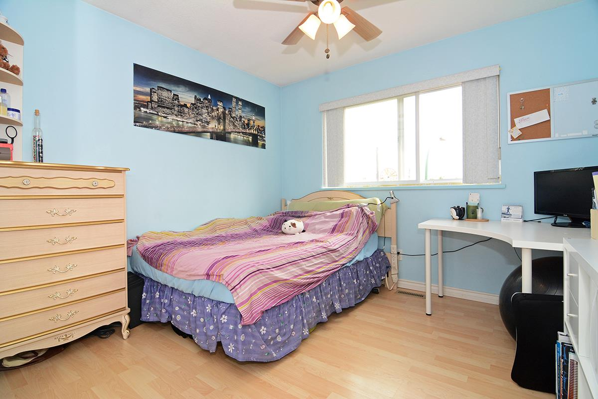 Detached at 21 FELL AVENUE, Burnaby North, British Columbia. Image 12