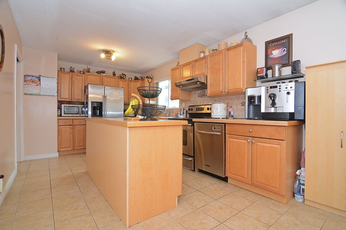 Detached at 21 FELL AVENUE, Burnaby North, British Columbia. Image 16