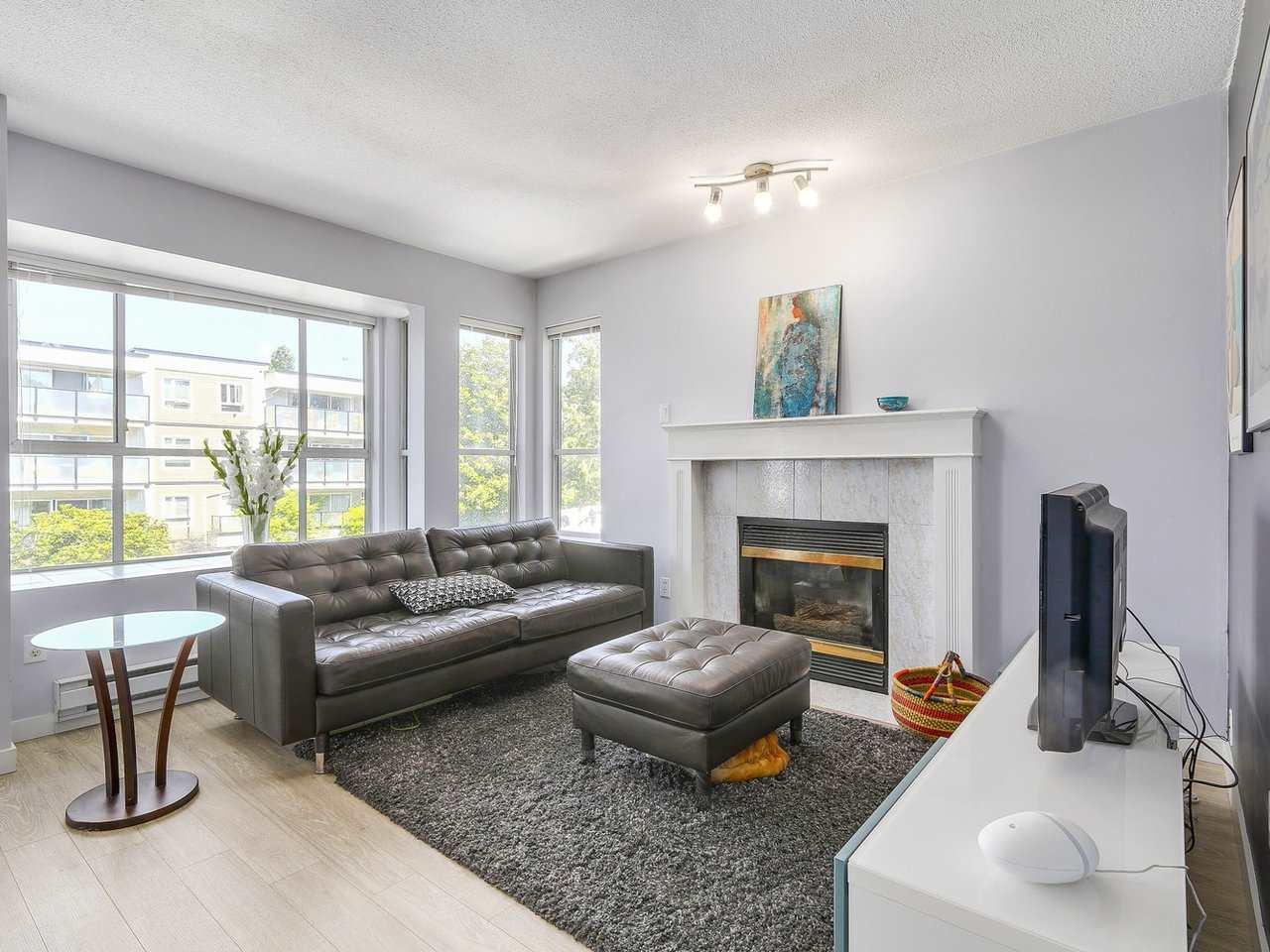 Condo Apartment at 301 120 GARDEN DRIVE, Unit 301, Vancouver East, British Columbia. Image 1