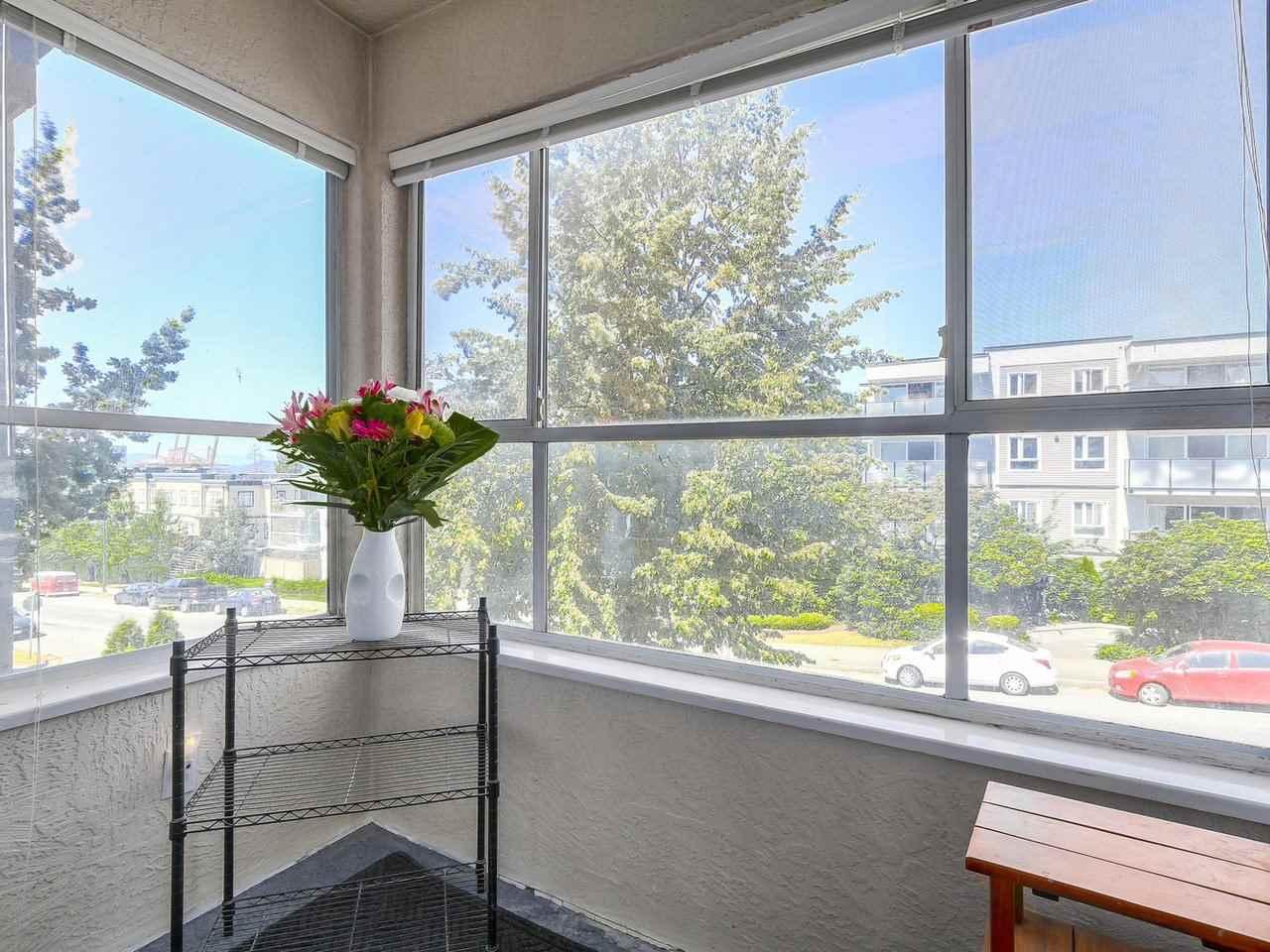 Condo Apartment at 301 120 GARDEN DRIVE, Unit 301, Vancouver East, British Columbia. Image 6
