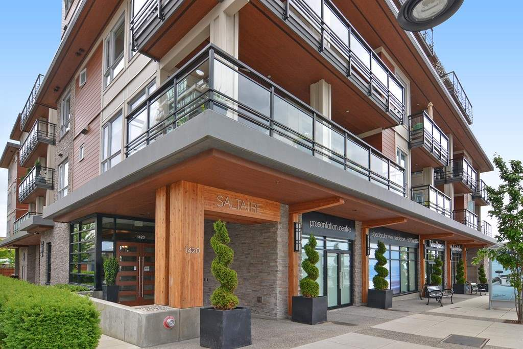 Condo Apartment at 306 1420 JOHNSTON ROAD, Unit 306, South Surrey White Rock, British Columbia. Image 2