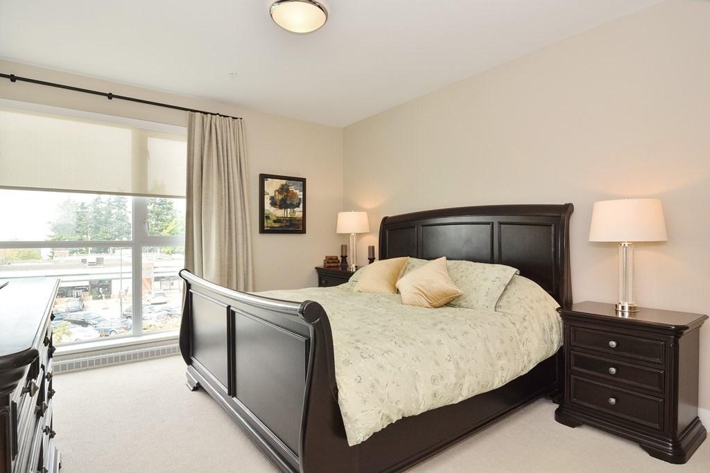Condo Apartment at 306 1420 JOHNSTON ROAD, Unit 306, South Surrey White Rock, British Columbia. Image 13