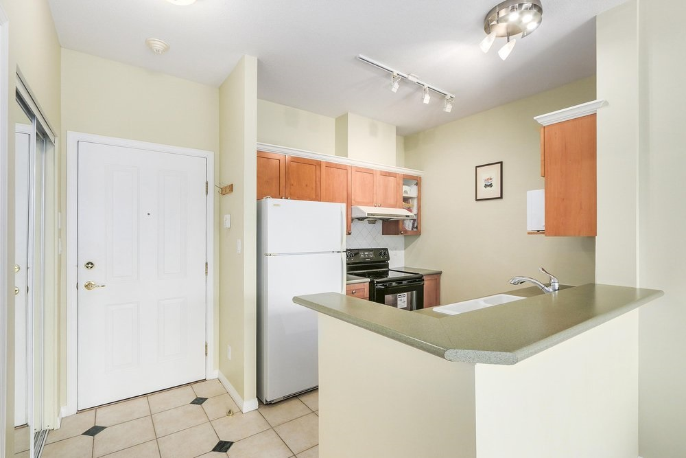 Condo Apartment at 502 6837 STATION HILL DRIVE, Unit 502, Burnaby South, British Columbia. Image 7