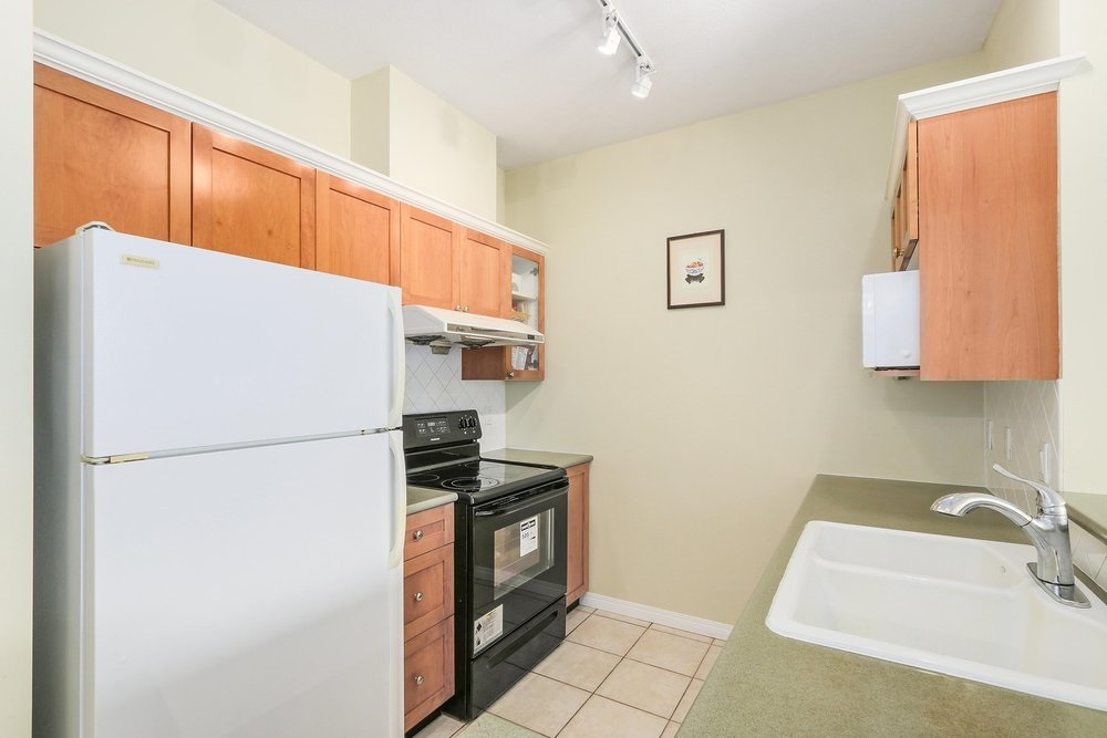 Condo Apartment at 502 6837 STATION HILL DRIVE, Unit 502, Burnaby South, British Columbia. Image 8