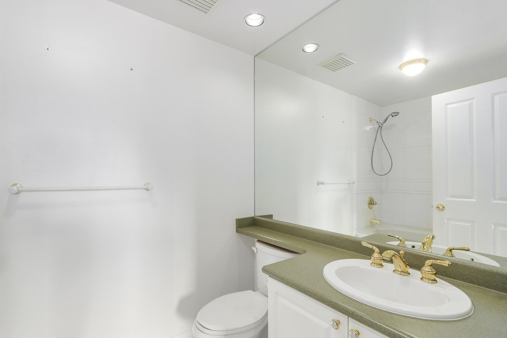 Condo Apartment at 502 6837 STATION HILL DRIVE, Unit 502, Burnaby South, British Columbia. Image 10