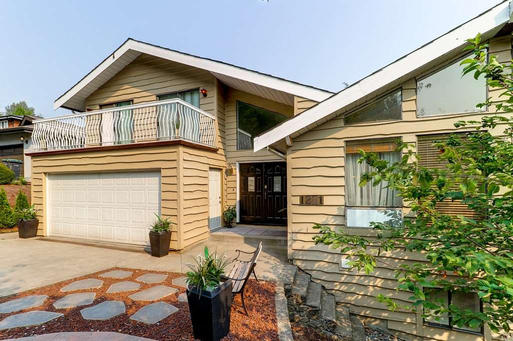 Detached at 1271 STEEPLE DRIVE, Coquitlam, British Columbia. Image 2