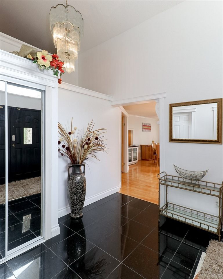 Detached at 1271 STEEPLE DRIVE, Coquitlam, British Columbia. Image 3