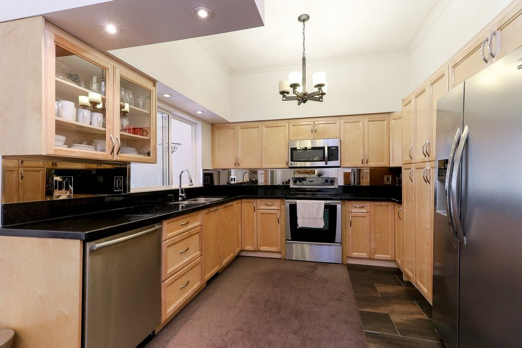 Detached at 1271 STEEPLE DRIVE, Coquitlam, British Columbia. Image 7