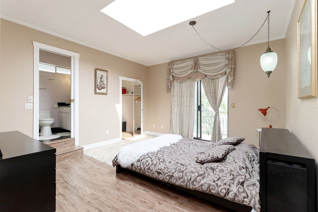 Detached at 1271 STEEPLE DRIVE, Coquitlam, British Columbia. Image 11