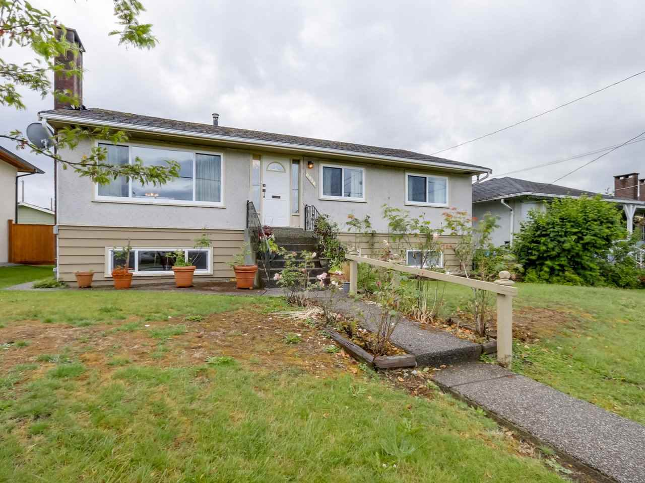 Detached at 6926 CARNEGIE STREET, Burnaby North, British Columbia. Image 2