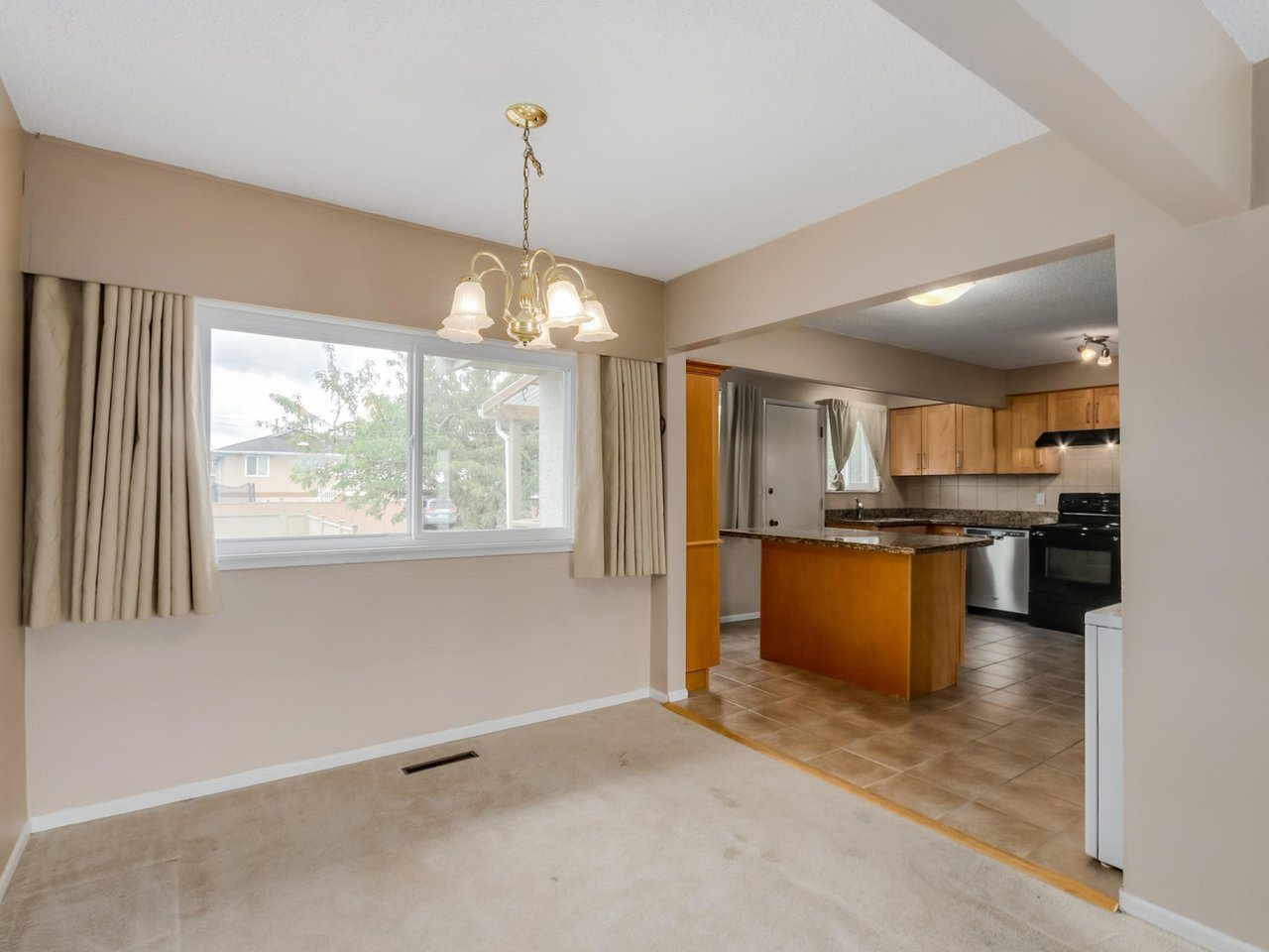 Detached at 6926 CARNEGIE STREET, Burnaby North, British Columbia. Image 4