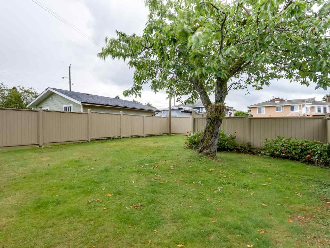 Detached at 6926 CARNEGIE STREET, Burnaby North, British Columbia. Image 19
