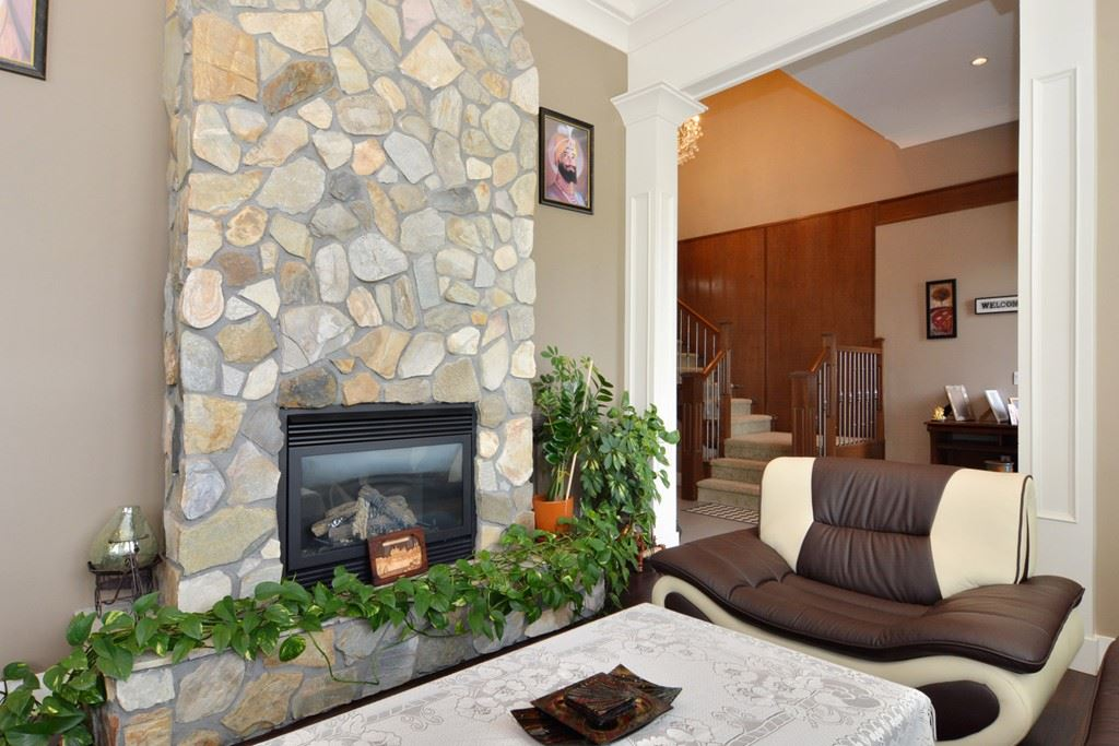 Detached at 2912 153A STREET, South Surrey White Rock, British Columbia. Image 4