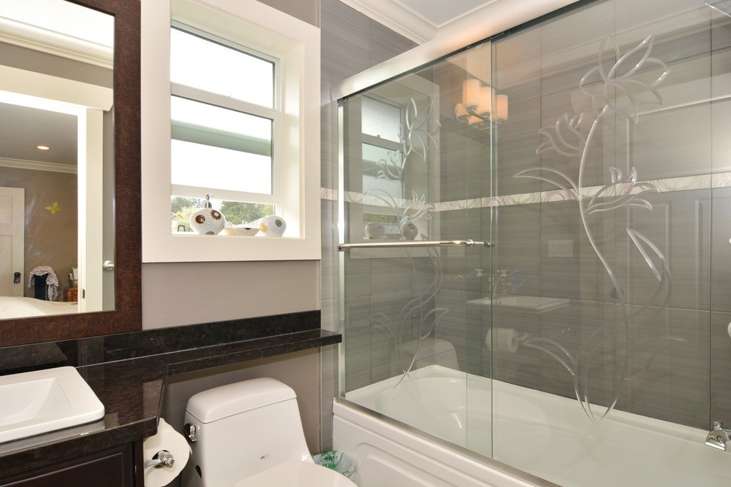 Detached at 2912 153A STREET, South Surrey White Rock, British Columbia. Image 12