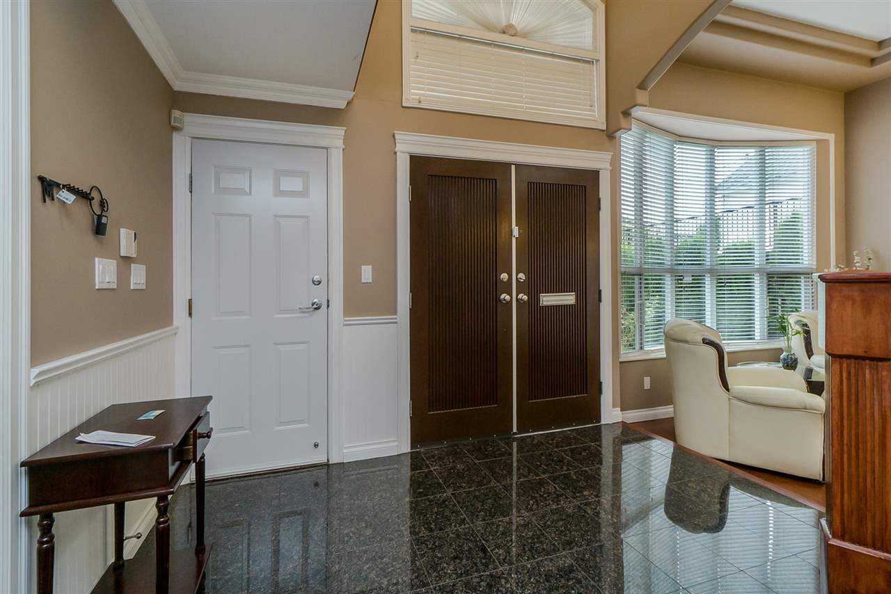 Detached at 2226 DUBLIN STREET, New Westminster, British Columbia. Image 2