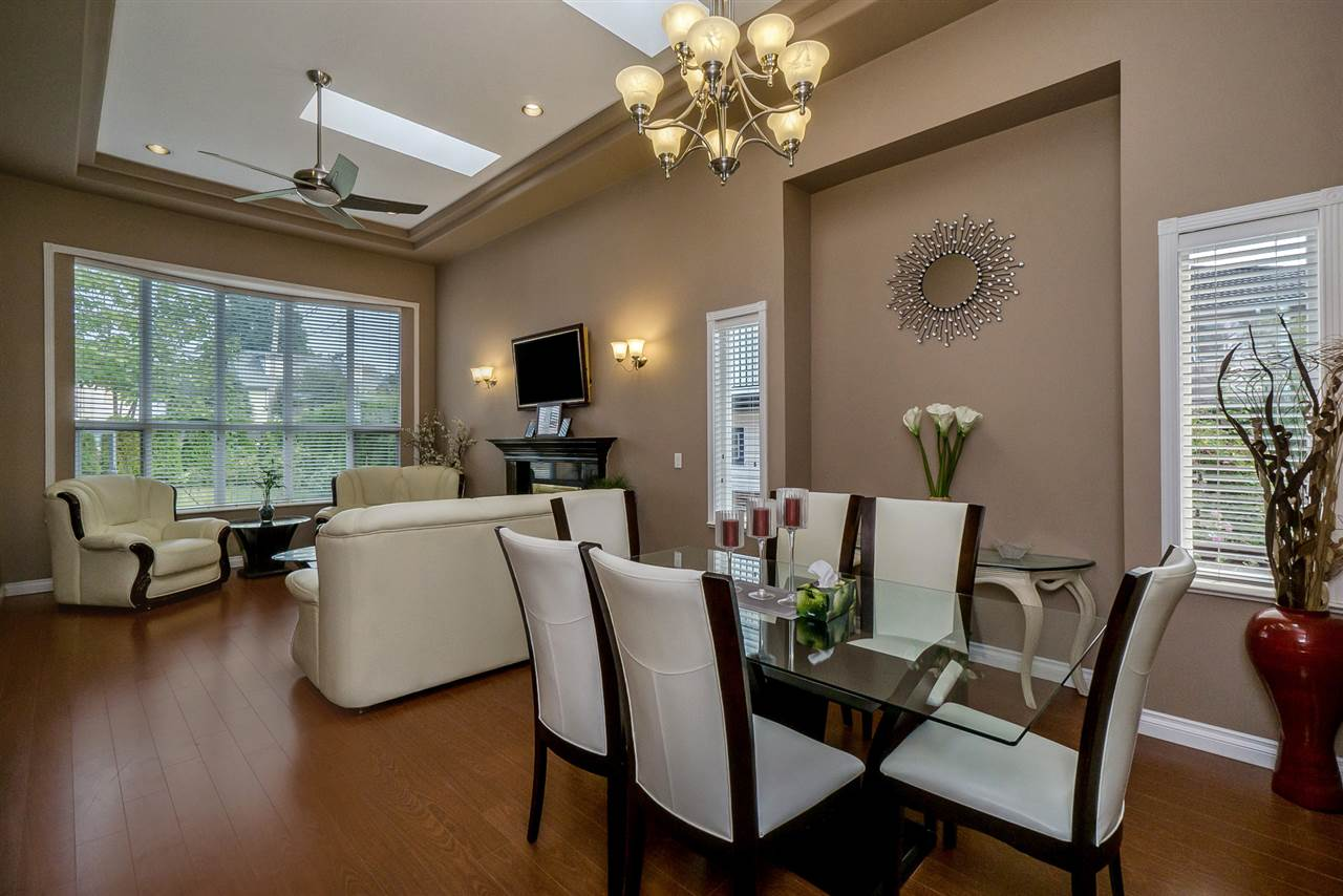 Detached at 2226 DUBLIN STREET, New Westminster, British Columbia. Image 5