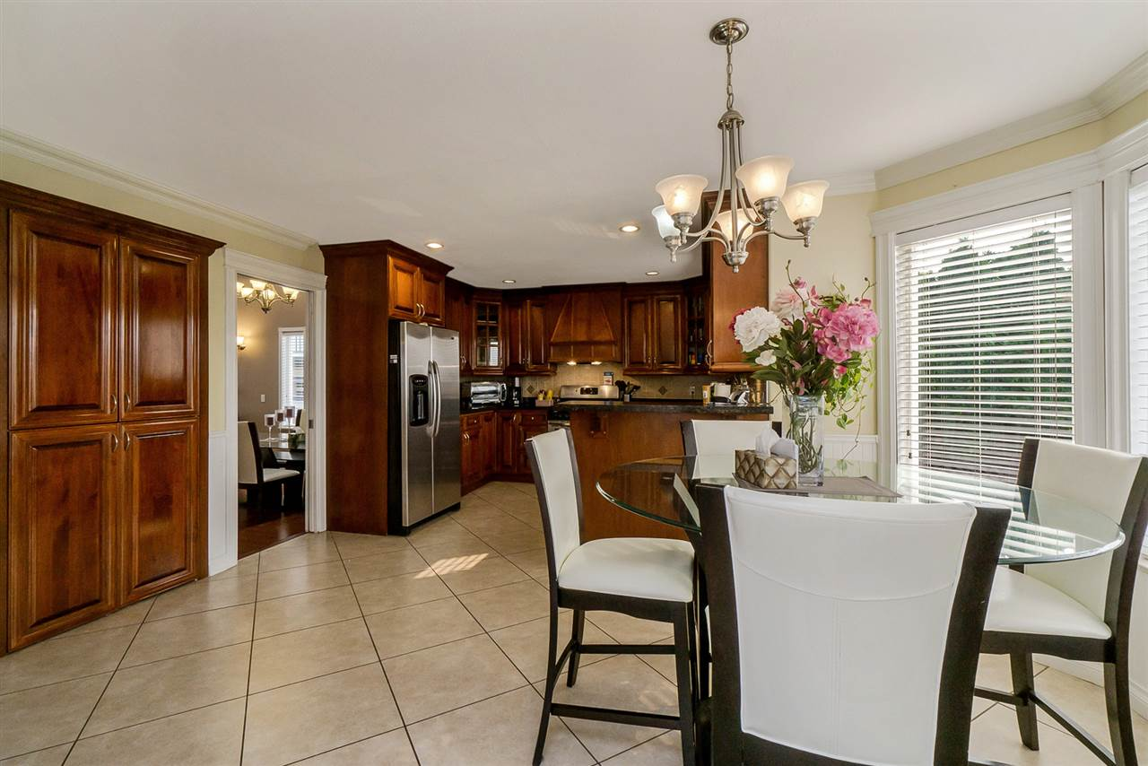 Detached at 2226 DUBLIN STREET, New Westminster, British Columbia. Image 6