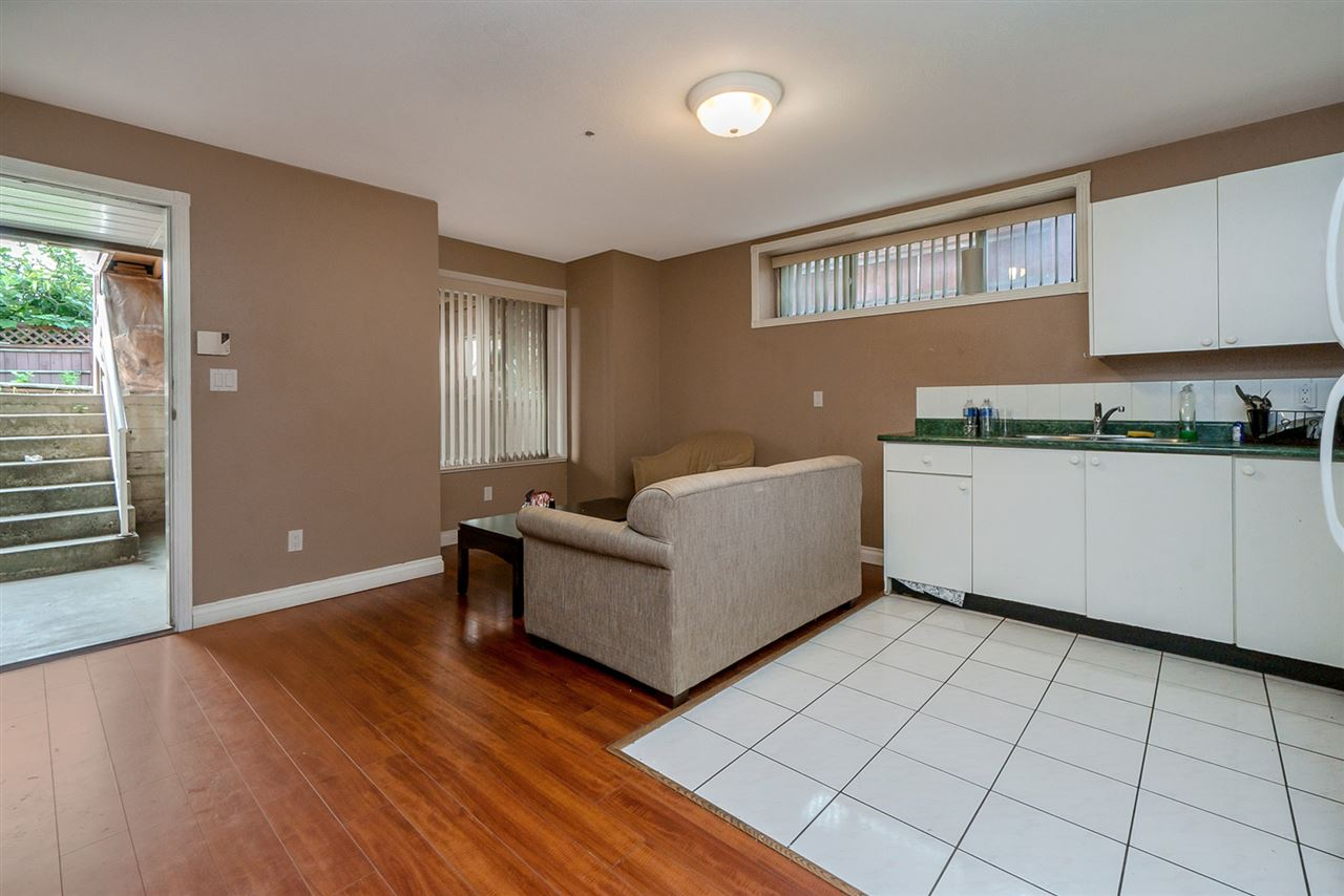 Detached at 2226 DUBLIN STREET, New Westminster, British Columbia. Image 15