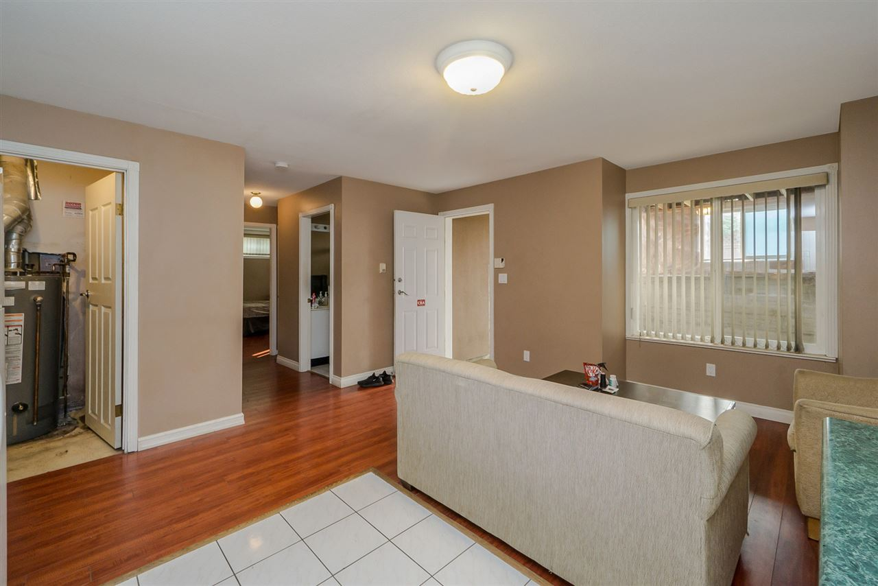 Detached at 2226 DUBLIN STREET, New Westminster, British Columbia. Image 16