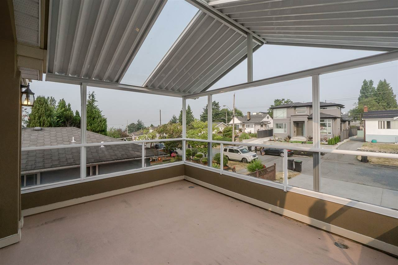 Detached at 2226 DUBLIN STREET, New Westminster, British Columbia. Image 18