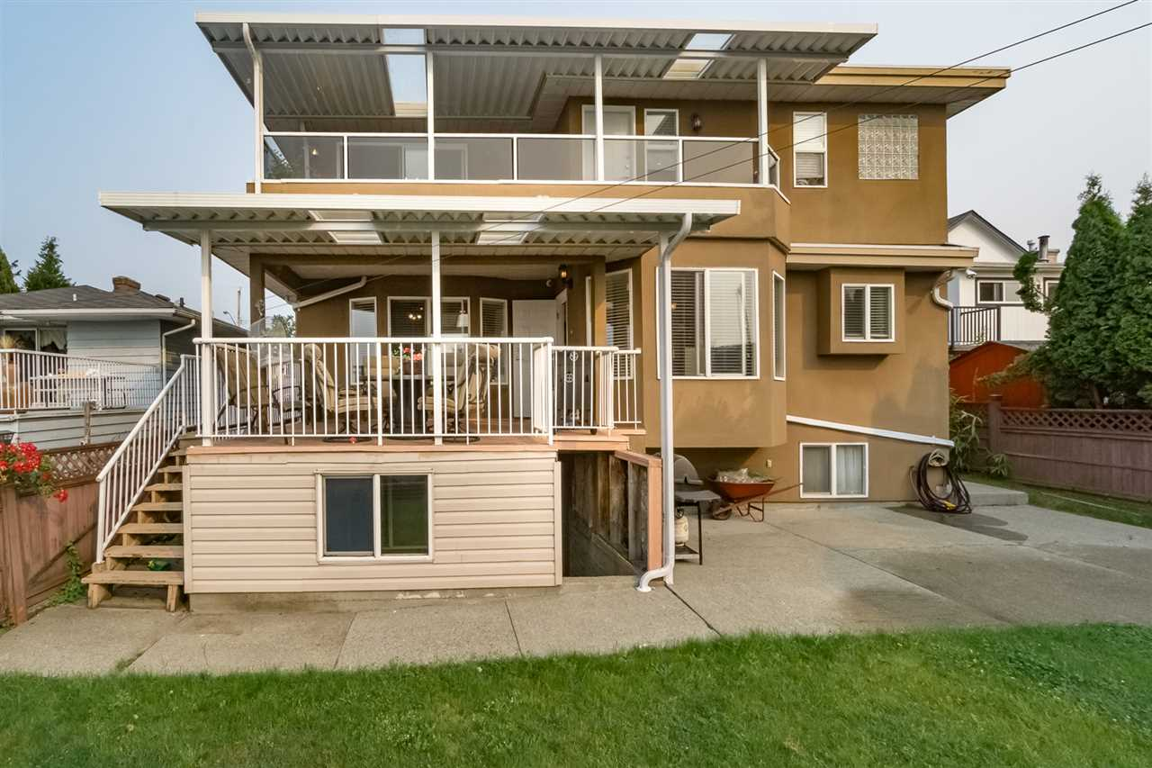 Detached at 2226 DUBLIN STREET, New Westminster, British Columbia. Image 20