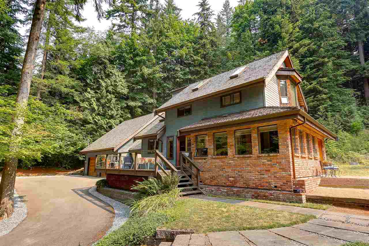 Detached at 12668 BLUE MOUNTAIN CRES, Maple Ridge, British Columbia. Image 1