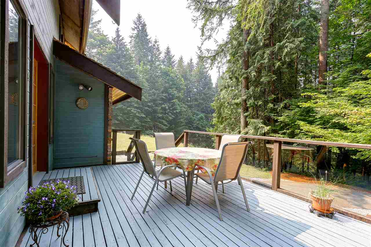 Detached at 12668 BLUE MOUNTAIN CRES, Maple Ridge, British Columbia. Image 19