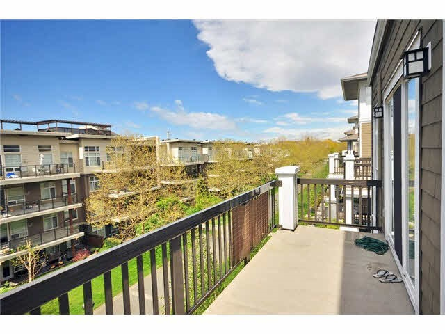 Condo Apartment at 314 6279 EAGLES DRIVE, Unit 314, Vancouver West, British Columbia. Image 2
