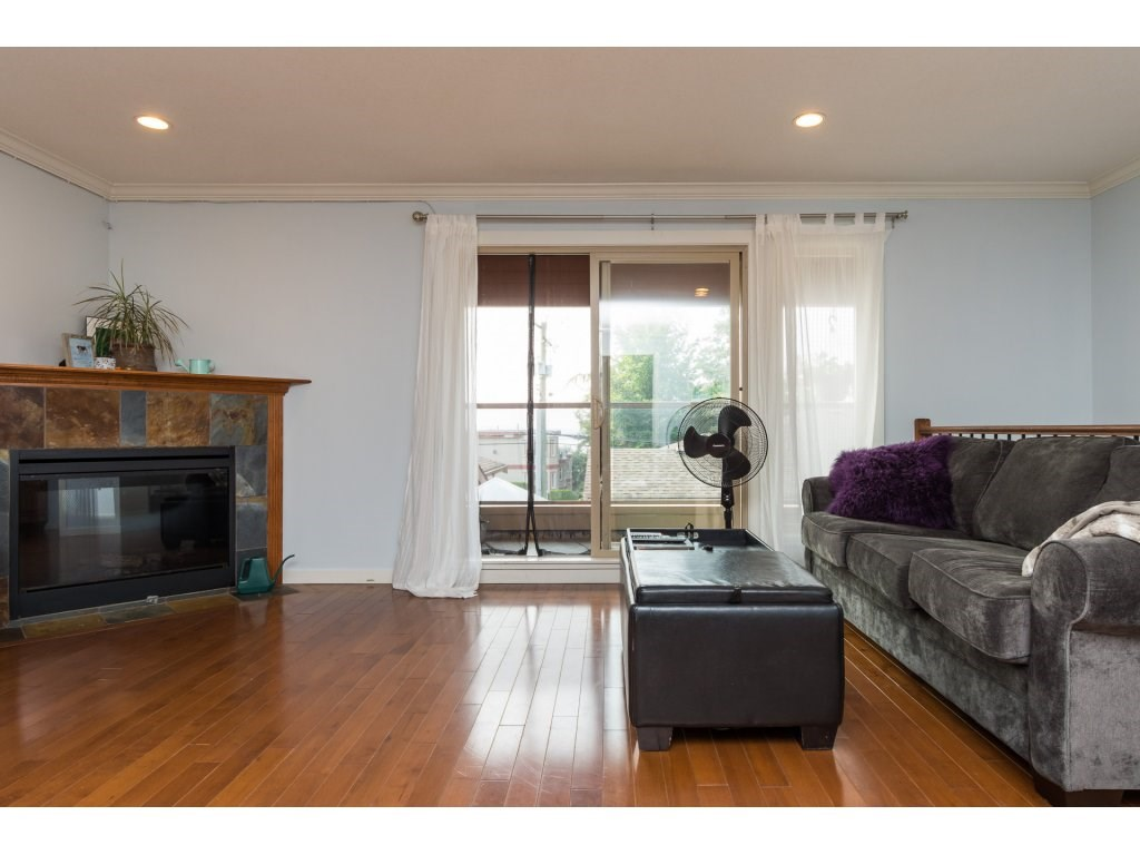 Townhouse at 7 14921 THRIFT AVENUE, Unit 7, South Surrey White Rock, British Columbia. Image 3