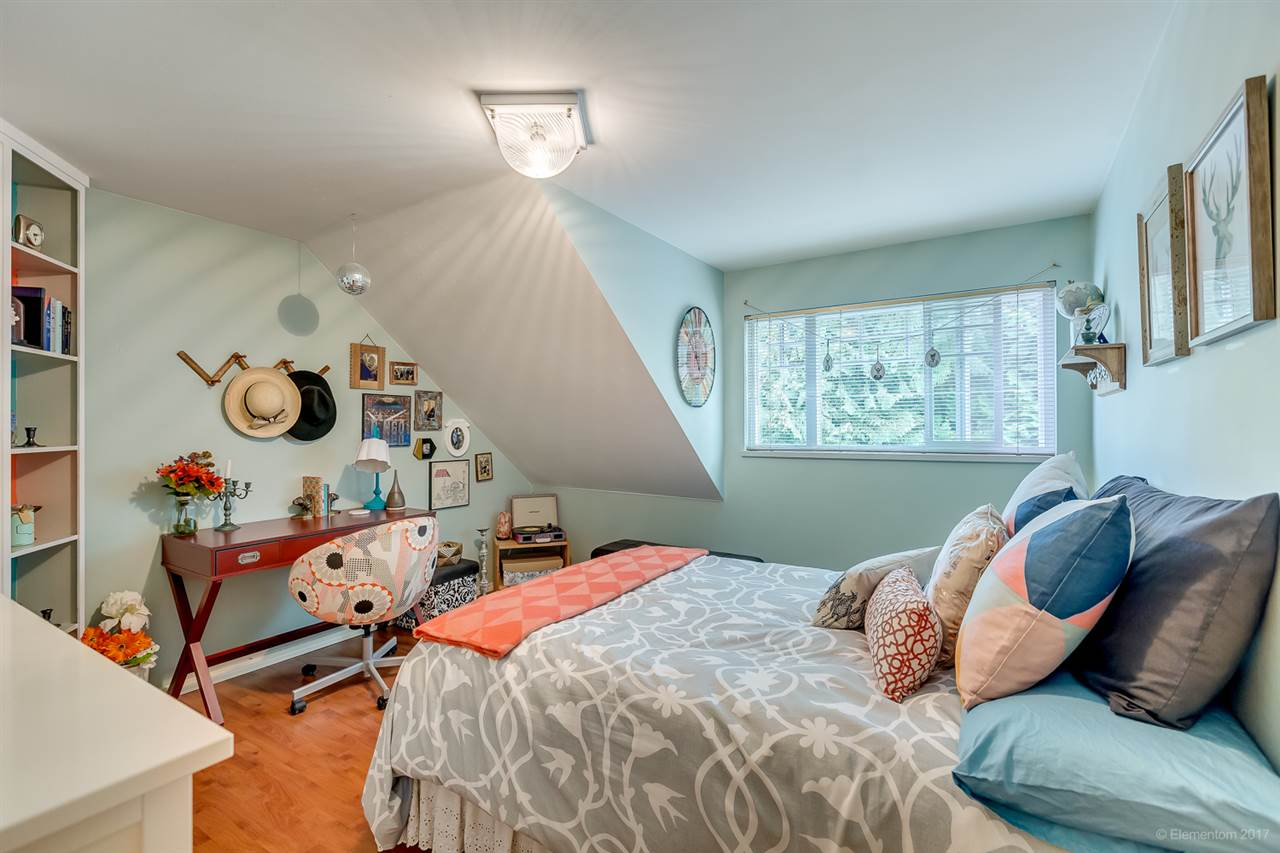 Detached at 901 COTTONWOOD AVENUE, Coquitlam, British Columbia. Image 13