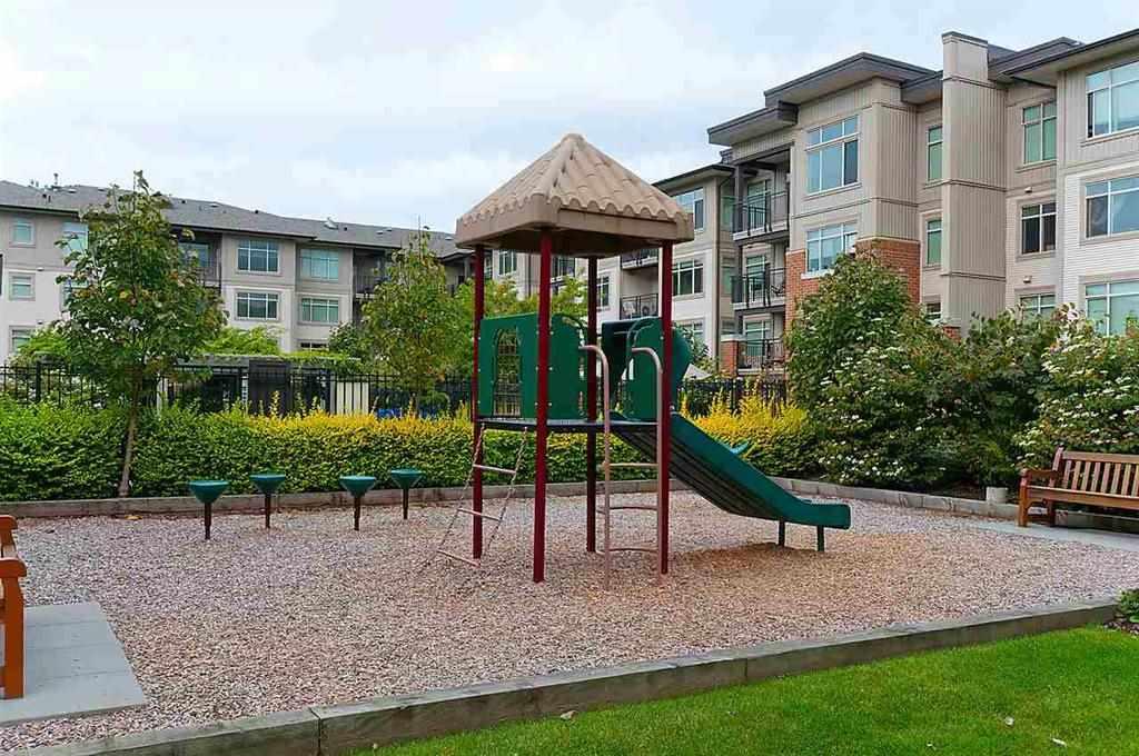 Condo Apartment at 209 9288 ODLIN ROAD, Unit 209, Richmond, British Columbia. Image 2