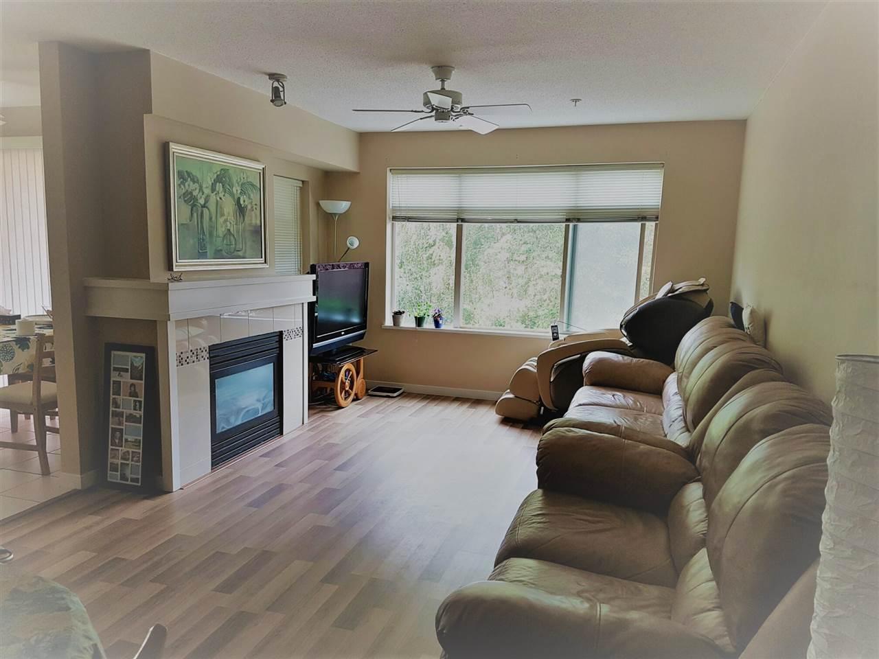Condo Apartment at 209 9288 ODLIN ROAD, Unit 209, Richmond, British Columbia. Image 3