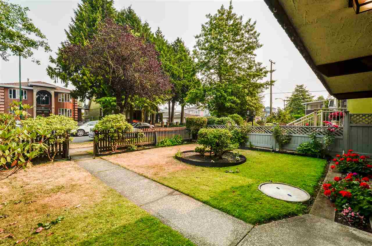 Detached at 2156 E 50TH AVENUE, Vancouver East, British Columbia. Image 2