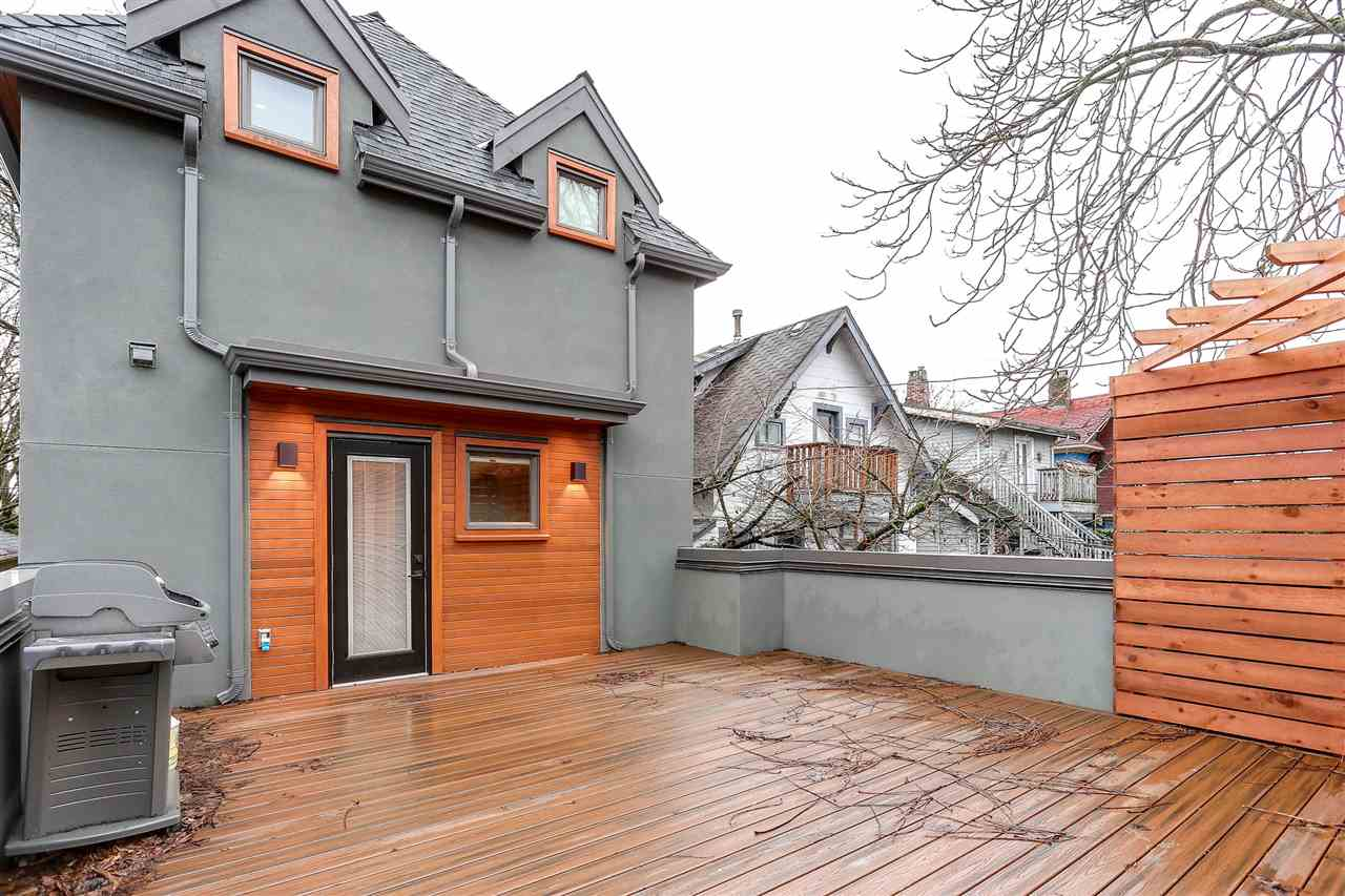 Detached at 3307 W 6TH AVENUE, Vancouver West, British Columbia. Image 1