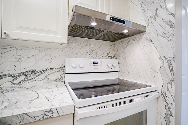 Condo Apartment at 905 3920 HASTINGS STREET, Unit 905, Burnaby North, British Columbia. Image 5
