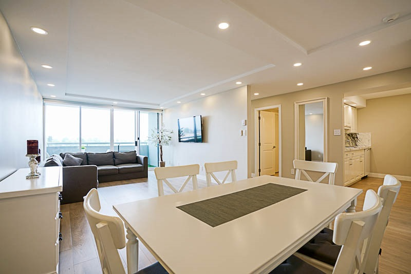 Condo Apartment at 905 3920 HASTINGS STREET, Unit 905, Burnaby North, British Columbia. Image 8