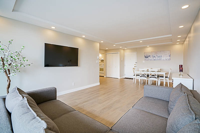 Condo Apartment at 905 3920 HASTINGS STREET, Unit 905, Burnaby North, British Columbia. Image 9