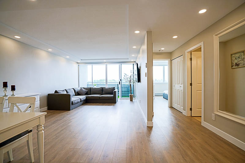 Condo Apartment at 905 3920 HASTINGS STREET, Unit 905, Burnaby North, British Columbia. Image 10