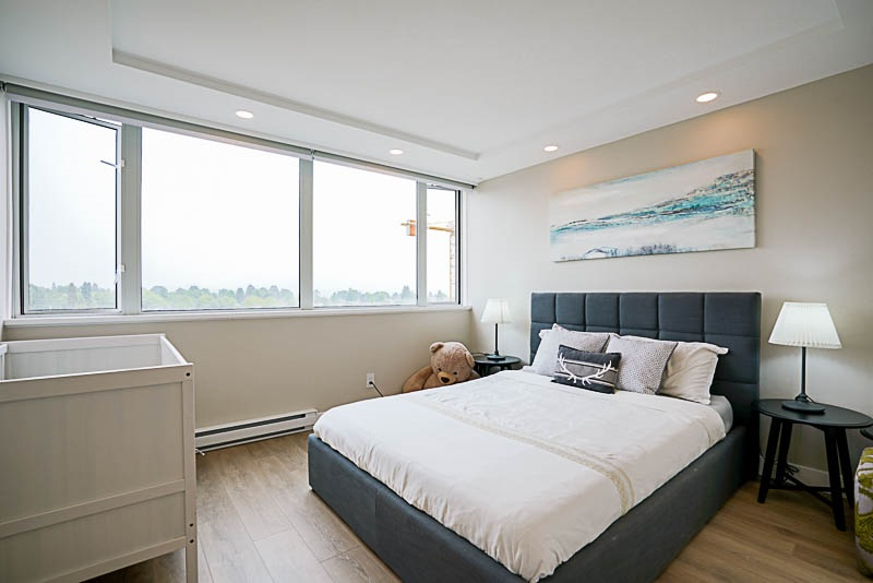 Condo Apartment at 905 3920 HASTINGS STREET, Unit 905, Burnaby North, British Columbia. Image 11