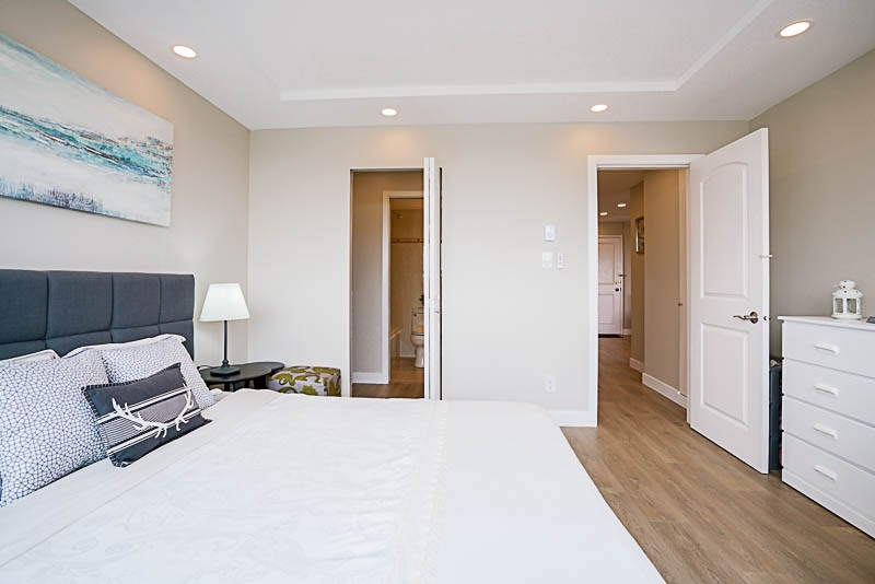Condo Apartment at 905 3920 HASTINGS STREET, Unit 905, Burnaby North, British Columbia. Image 12
