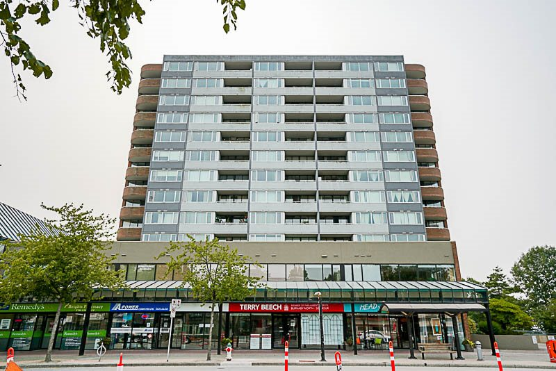 Condo Apartment at 905 3920 HASTINGS STREET, Unit 905, Burnaby North, British Columbia. Image 17