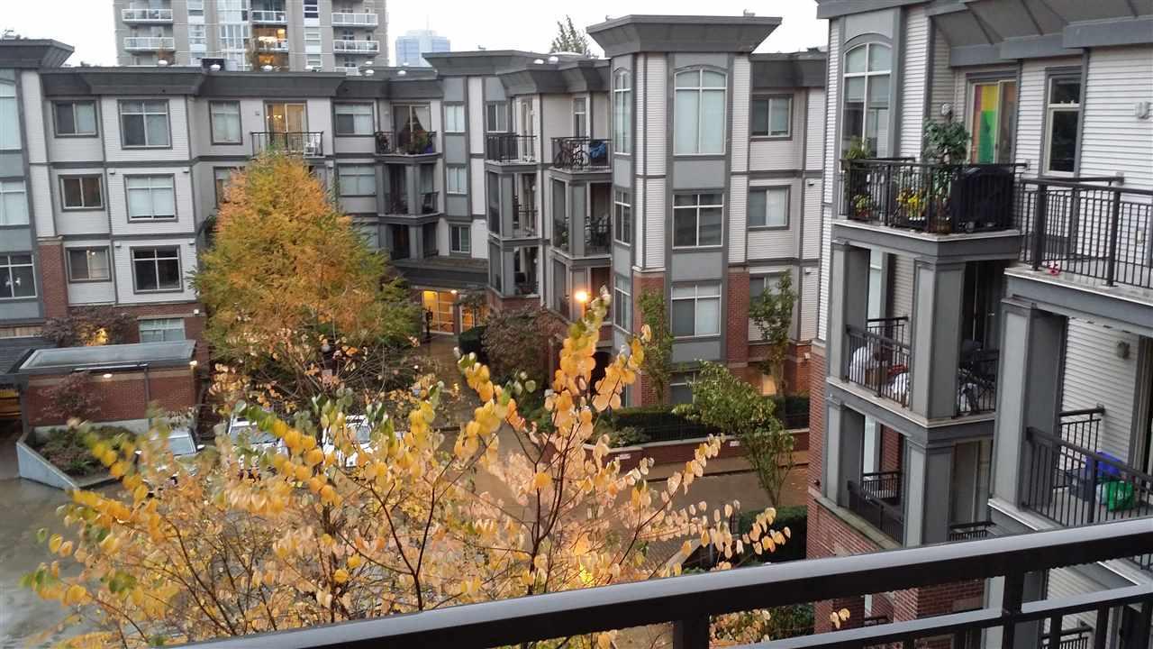 Condo Apartment at 402 10455 UNIVERSITY DRIVE, Unit 402, North Surrey, British Columbia. Image 2