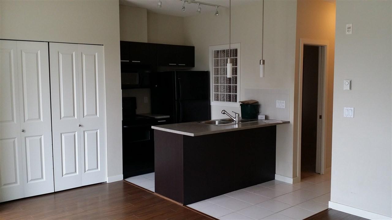 Condo Apartment at 402 10455 UNIVERSITY DRIVE, Unit 402, North Surrey, British Columbia. Image 3