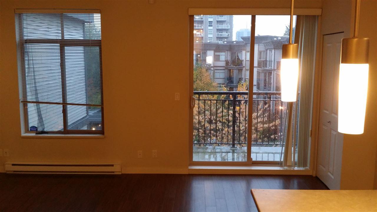 Condo Apartment at 402 10455 UNIVERSITY DRIVE, Unit 402, North Surrey, British Columbia. Image 5